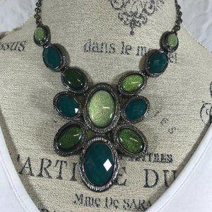 Liz Claiborne Green Shimmer Cabochon Bib Necklace